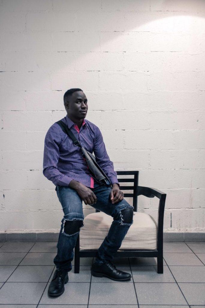 Portrait photo d'Abdallah Hassan (Tchad), 25 ans, dans le 15e arrondissement.